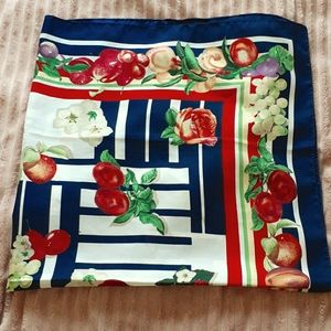 FRUIT & ROSES SQUARE SCARF